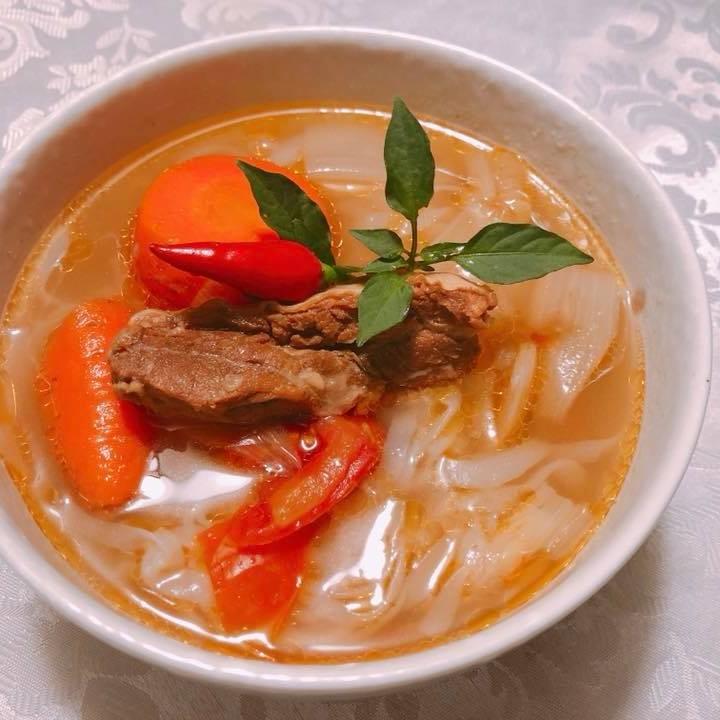 清燉牛肉湯+蒟蒻麵